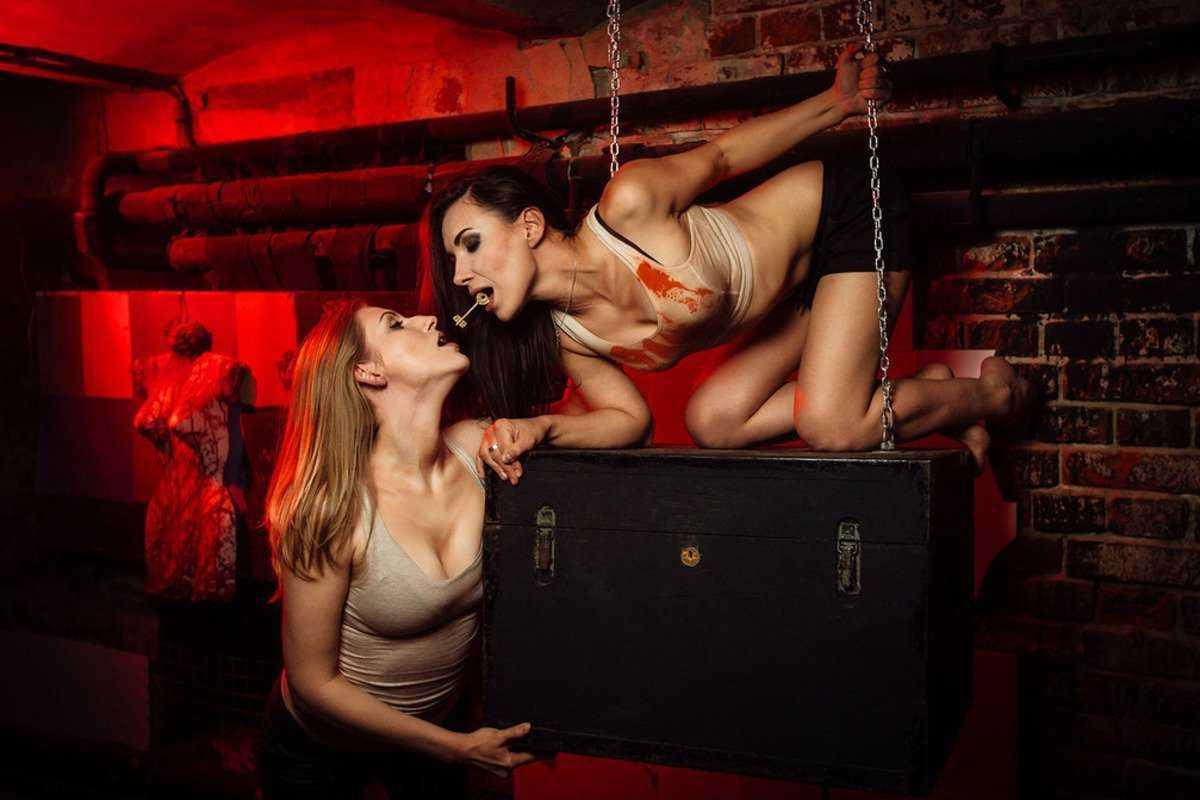 Эротические видеоы игра на интерес вика