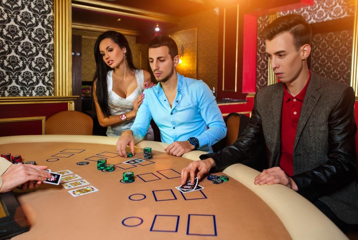 Как помочь человеку бросить играть в казино слова до писни риани рашен рулетка